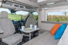 06-Cab-dining-for-4-people-scaled